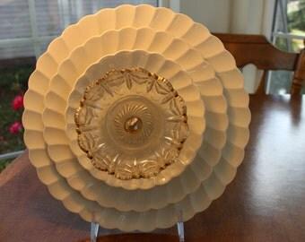 White Plate Glass Garden Flower / Glass Garden Art / Vintage Recycled Glass / Yard Art / Suncatcher / Gardener Gift