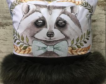 Cushion raccoon fur trimmed