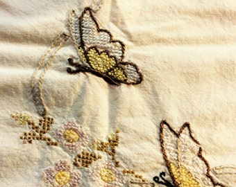Embroidered/ crocheted dresser scarf