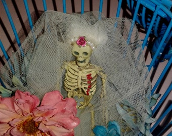 Day of the dead Bubble goth bleeding heart bride in her perfect cage skull collectable