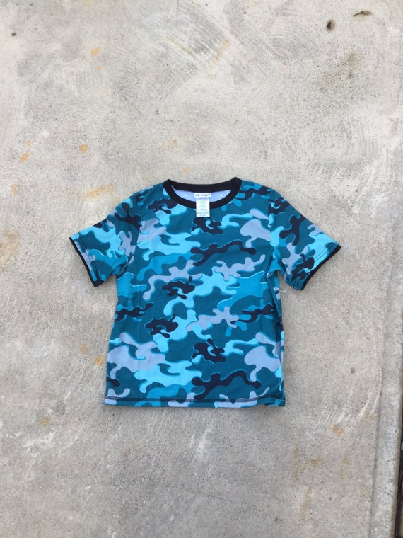Cyber kawaii digital camo print crop top // adult small // blue camo with black cuffs and stitching // club kid top
