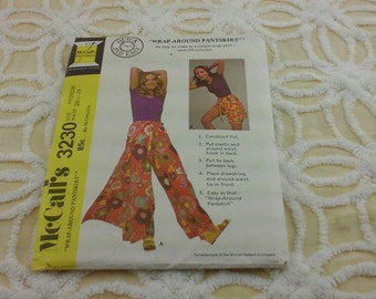 Vintage,  1971 pant skirt pattern, by .Mcalls