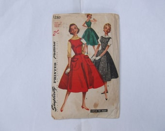 Pattern simplicity1280 dress size 12, year 1955