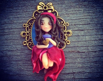 Gipsy queen pendant for necklace