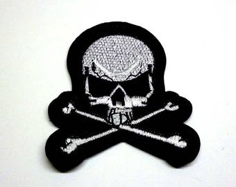 Silver Skull an Crossbones with Black Border and Eyes Iron on Patch - H379