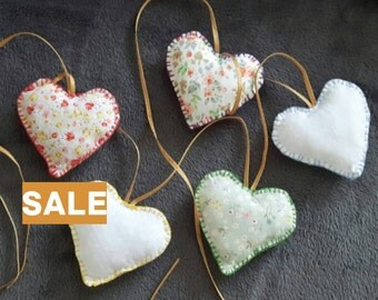 SALE**Folksy Heart Garland