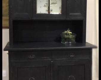 Early 20th Century Hutch