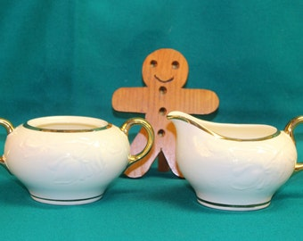 Vintage Continental kilns made in USA/Puritan hand decorated 22kt sugar and creamer, great condition