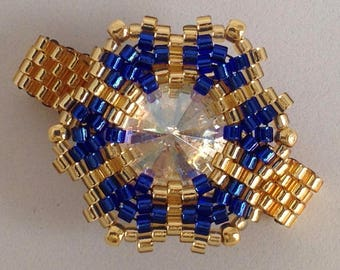 beaded ring gold and blue flower shaped ring Swarovski crystal  Le Rouge et le Noir pattern beautiful beaded ring beaded jewellery