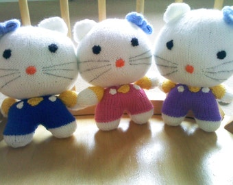 hand knitted hello Kitty