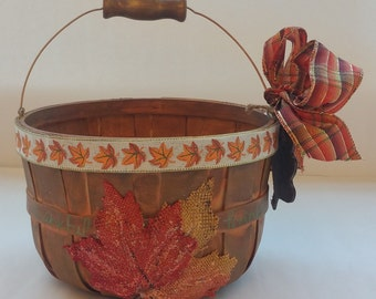 "Small Fall Wooden Gift Basket Planter Centerpiece ""MAPLE LEAF"""