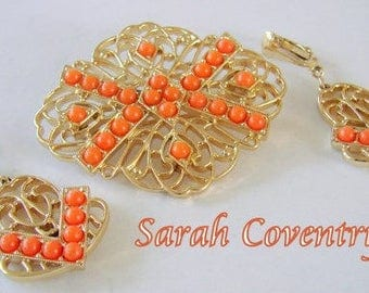 Signed SARAH COVENTRY - Demi parure -  Gold tone plate faux coral lucite - Brooch and earrings - gift for woman - mothersday gift