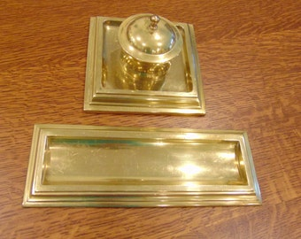 Vintage Brass ink Well and Pen Stand (FREE SHIPPING)