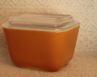 Pyrex 501, Refrigerator Dish with Lid, Gold/Light Brown, Pyrex 501 B, 12 oz cup, Made in USA