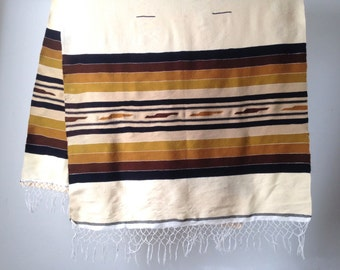 vintage SOUTHWEST 5 foot rug throw tan & brown navajo ikat print rug throw