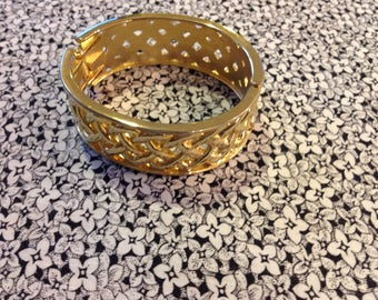 Vintage Gold Toned Hinged Cuff Bracelet with Woven Pattern
