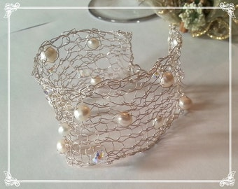 Braided Cuff Bracelet with silver thread, with freshwater pearls and Swarovski
