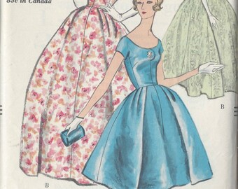 "1958 Vintage VOGUE Sewing Pattern B32"" DRESS & PETTICOAT (R513)  Vogue 9618"