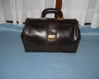 Authentic vintage doctor bag ! Genuine leather !