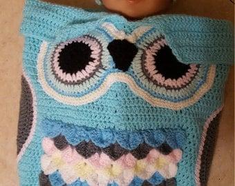 Angel knitted handmade owl nest