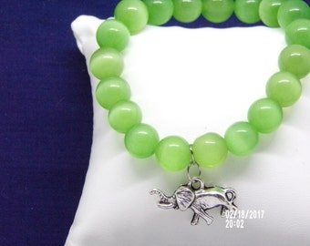 B021705 Small Jade Glass Beaded Bracelet with Elephant metal Charm.