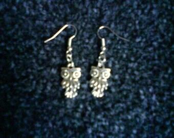 Cute Silver Tone Owl Earrings