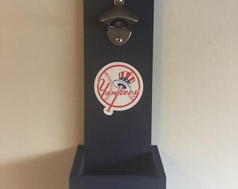 New York Yankees Hanging Bottle Opener - Top Hat logo / Wall Mounted Bottle Opener / Yankees Gift / Man Cave