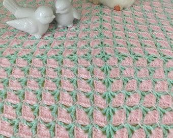 Baby blanket / knit baby blanket /crochet baby blanket / baby girl blanket /nursery / gift for mom to be / baby shower gift /