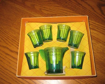 Childrens vintage glass water set, Akro Agate