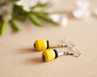 Pendant earrings made of vintage beads yellow and black