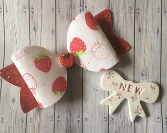 XL STRAWBERRY SCENTED hair bow