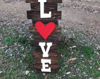 Pallet Love Sign