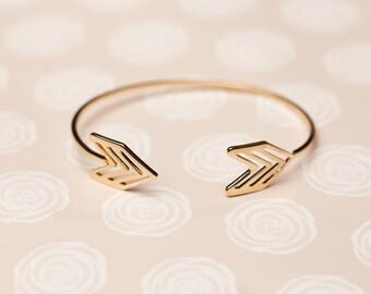 Thick Arrow Bracelet
