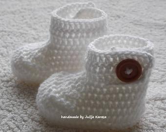 White baby boots crochet, handmade newborn booties, baby shower gift, crochet baby booties, handmade baby booty