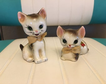 Enesco Japan Salt and Pepper Kittens