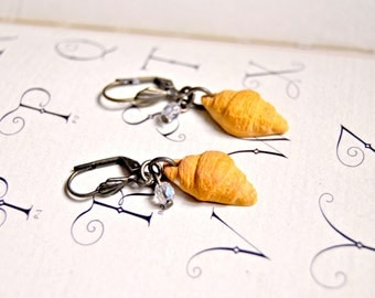 Handmade polymer croissants earrings - Miniature food jewelry, miniature food earrings, pastry earrings
