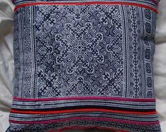 Hmong series 6: small cushion 33x33cm (13 x 13), cotton, batik Hmong.
