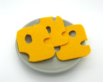 Slices of cheese in felt for dinette, emmental in felt, toy, dinette in fabric, x 3