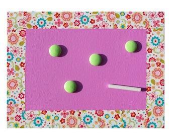 Magnetic slate girl - pink flowers