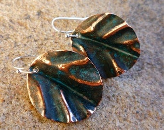 Rustic earrings, Copper jewelry, Round earrings, Copper leaf earrings, Verdigris earrings, Leaf jewelry, Fold-formed earrings, Dangle & Drop