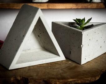 Concrete triangular planter