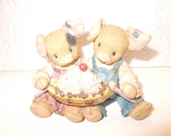 """Enesco Pigs Figurine, """"Love is Piggin' Out with You"""", 1996"""