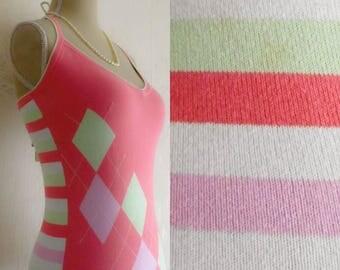 backless halter neck, Pink Top lozenges Pastel Colors 80 s / back - nudes, pastels colors 80 s diamonds.