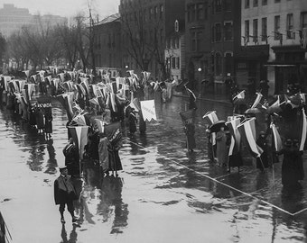 Suffragettes Grand Picket Protest, March 4, 1917, Women's March, Equal Pay, Voting Rights, Equal Rights, Women's History, Wall Art Decor