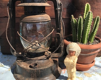 Antique Dietz NO.2 Large Fount Wizard Lantern, Rustic Lantern, Railroad Lantern