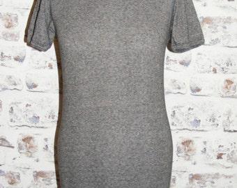 Size 12-14 vintage 70s short sleeve skinny fit crew neck t-shirt darkgrey (GT80)