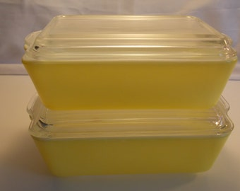 Yellow Pyrex  503 refrigerator container + lid