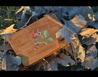Wood clutch bag crossstittched