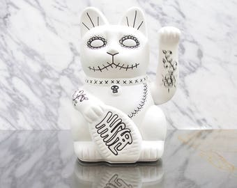Maneki Neko / Lucky Cat / Waving Cat in 2 Sizes – White Day of the Dead