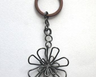 key holder - iron wire sculpture